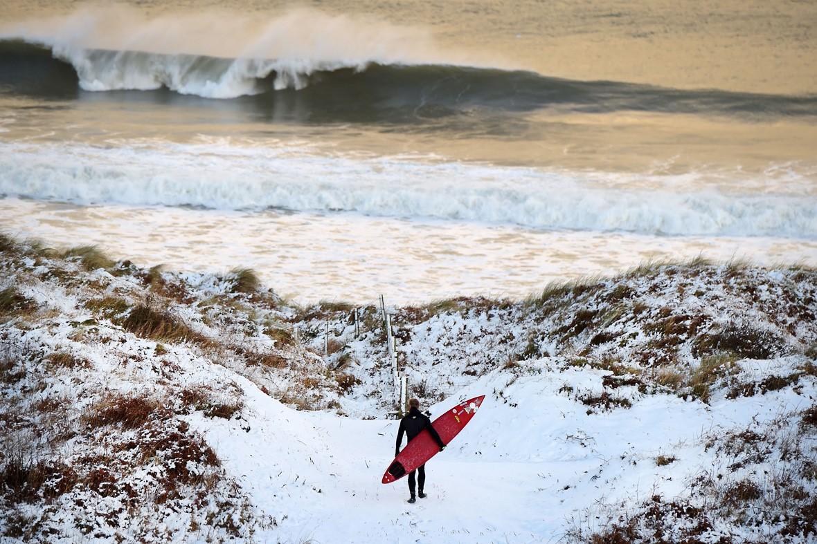 {surfer_in_ireland}